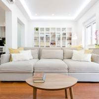 SPACIOUS LUXURY apartment in the HEART of Madrid (3 rooms)