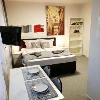 Very nice Apartment, Free WIFI, TV, 5 Mins from Train Station
