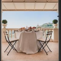Alfresco luxury Villa with Heated pool