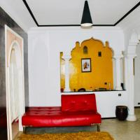 Charming Apart, Free parking ,5min walk from Tram station, hotel near Rabat-Salé Airport - RBA, Salé