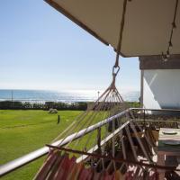 Gavamar Castelldefels Beachfront Apartment- Direct access to the beach, hotel in Gavà