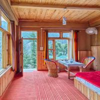 Pinewood Mud Cottage - Mountain Cabin in Jibhi