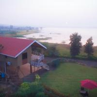 Lake View Holiday Villa Near Sula Wine Yard With 3 BdRms
