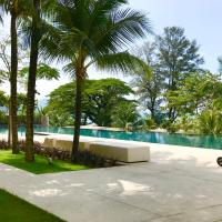 By The Beach - Luxury 2 Bedrooms Family Suite