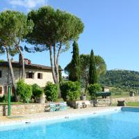 Cosy Holiday Home in Radda in Chianti with Swimming Pool