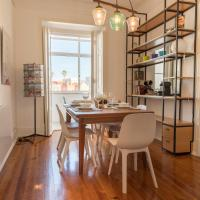 Spacious and Sunny Graca Apartment