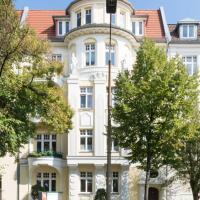 Schöne Altbauwohnung, nahe Hassel gesucht / Balkon, EBK, Keller, Aufzug