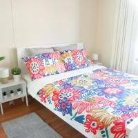 Cozy Apartment in Newtown, 1 min to Train Station