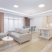 Central Yerevan 3 Bedrooms Exclusive Apartment With Balcony View,Near Republic Square