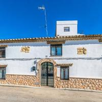 Beautiful home in Hornachuelos w/ Outdoor swimming pool, WiFi and 3 Bedrooms