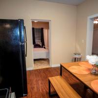 Cozy Downtown Guest House 2BR/1BA Sleeps 8