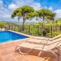 Blanes Villa Sleeps 10 with Pool and Free WiFi
