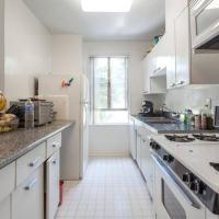 Beverly Hills/WEHO upscale apartment