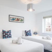 NIKSA Serviced Accommodation - 3 bedroom house Welwyn Garden City