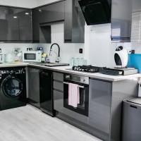 Newly Built, Luxury Apartment near City Centre
