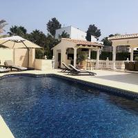 Luxurious Villa for 8 in Jávea, in great location, close to the beach, with swimming pool and terraces