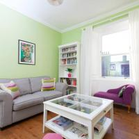 Bright and Modern Causewayside Apartment