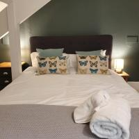 Colchester Villas - Stylish, Central & Spacious Apartment