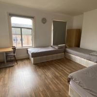 Lovely Modern Triple Shared Room Central Location