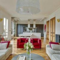 Luxurious Penthouse near Champs Elysées and front of Eiffel Tower Apartment