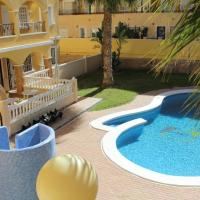Comfortable Two Bedroom Apartment with Communal Pool