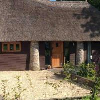 Unique Thatched Retreat near Salcombe and Beaches