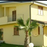 Caulonia, 2 bed 1st Floor Apartment Close To Beach
