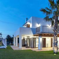 Luxury Private 5 Bedroom Villa - Sleeps 10-12 Guests - Distant Sea View