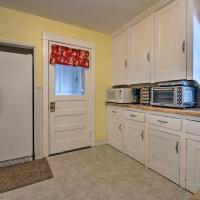 NEW! Charming Home, Near University & Attractions!