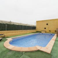 Modern Holiday Home in Garrobillo with Private Swimming Pool