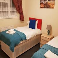 Ravenhill House - Huku Kwetu - Luton - L&D Hospital - London -M1- Airport - Group - Long or Short Stay