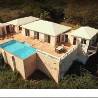 Zone Beach Estate (Villa Lucinda)