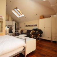 Studio Flat with Terrace in the Heart of Soho