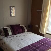 ROOM WITH DOUBLE BED & SHOWER, use of KITCHEN