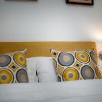 Brentwood Guest Room