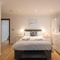 King's Cross Eurostar Double Room - ENSUITE Bathroom - Shared Kitchen 3
