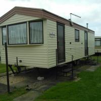 2 bedroom caravan on 4 star park