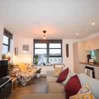 Modern 2 Bedroom Flat In The Stylish Paintworks