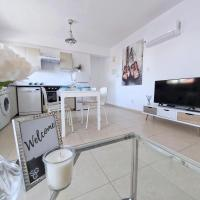 Luxury Living in City Center, Newly Renovated Apartment