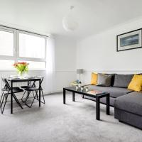 Light and Cosy Southfields Apartment