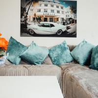 Quiet, cosy apartment 7 mins from Leeds with Free Wifi, Netflix and parking