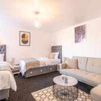 Charming Studio Central Stafford
