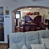 "Casa Rural ""Can Abres"" Vilobi d`Onyar Girona, hotel near Girona-Costa Brava Airport - GRO, Vilobí d'Onyar"
