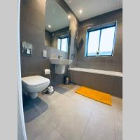 Modern apartment CLOSE to Watford Hospital FAST Wifi