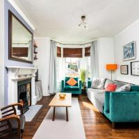 NEW Super 3BD Family Home Stunning London Views