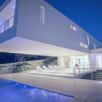 Casa Aude - Beachfront Smart Guest Apartment