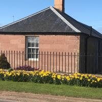 The West Lodge -dog friendly, cosy, Scottish Borders cottage