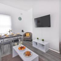 Family welcome -Builders welcome 3 bed Beautiful flat