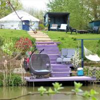 Bluebell Yurt with Private Hot Tub and fishing