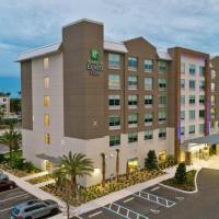 Holiday Inn Express & Suites Orlando- Lake Buena Vista, hotel v oblasti Lake Buena Vista, Orlando